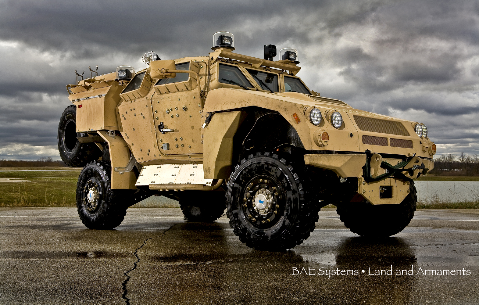Metro Detroit product photographer Jeff White photographs vehicles for BAE Systems