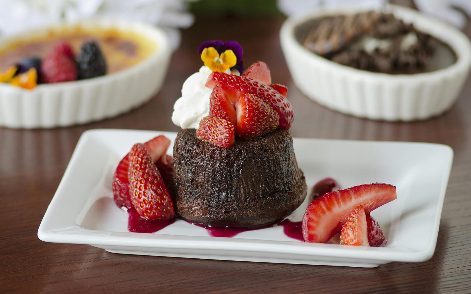 Detroit food photographer Jeff White photographs a dessert for Morels restaurant.