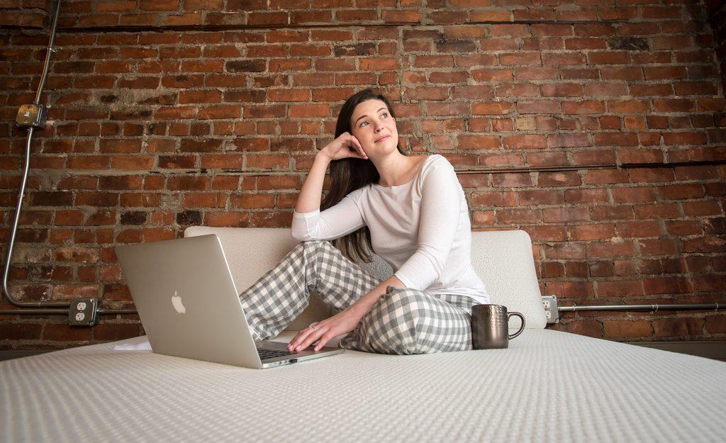 detroit-downtown-women-photos-of-detroit-above-laguer-house-i-love-my-pillow-jwhitephoto-web